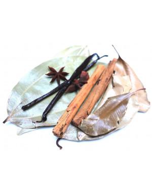 préparation rhum arrangé cannelle vanille